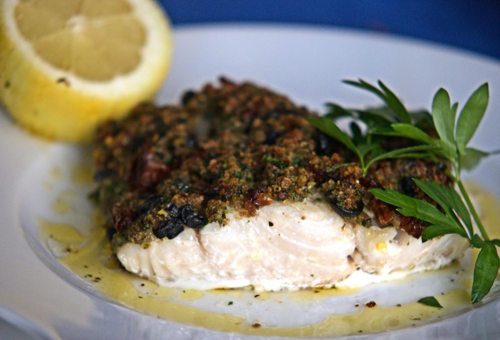Ryba pieczona pod ziołową kruszonką