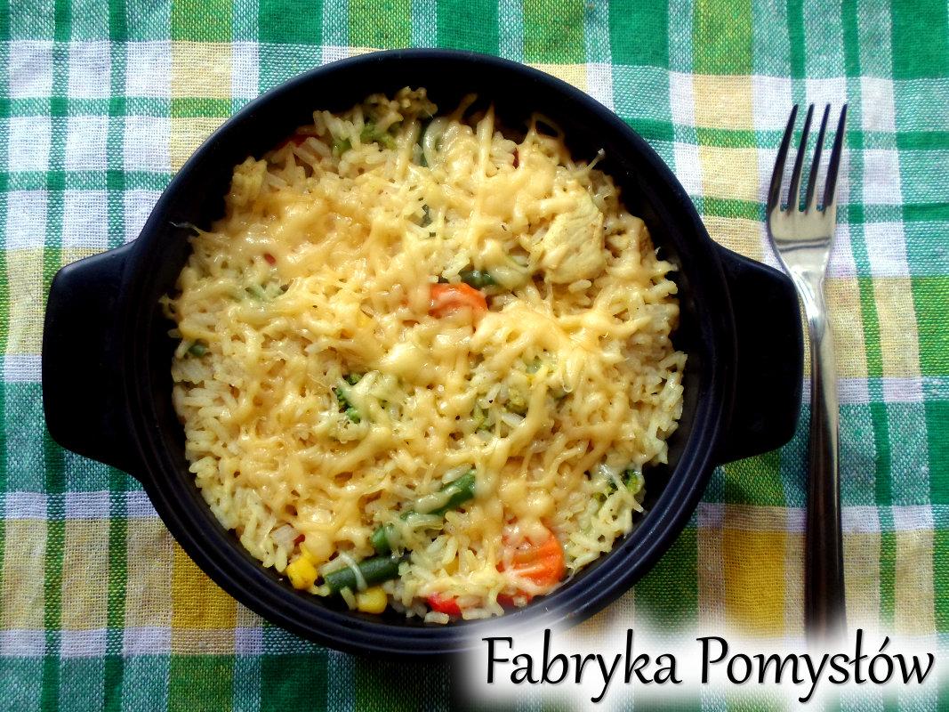 Zapiekanka ryżowa z warzywami i kurczakiem