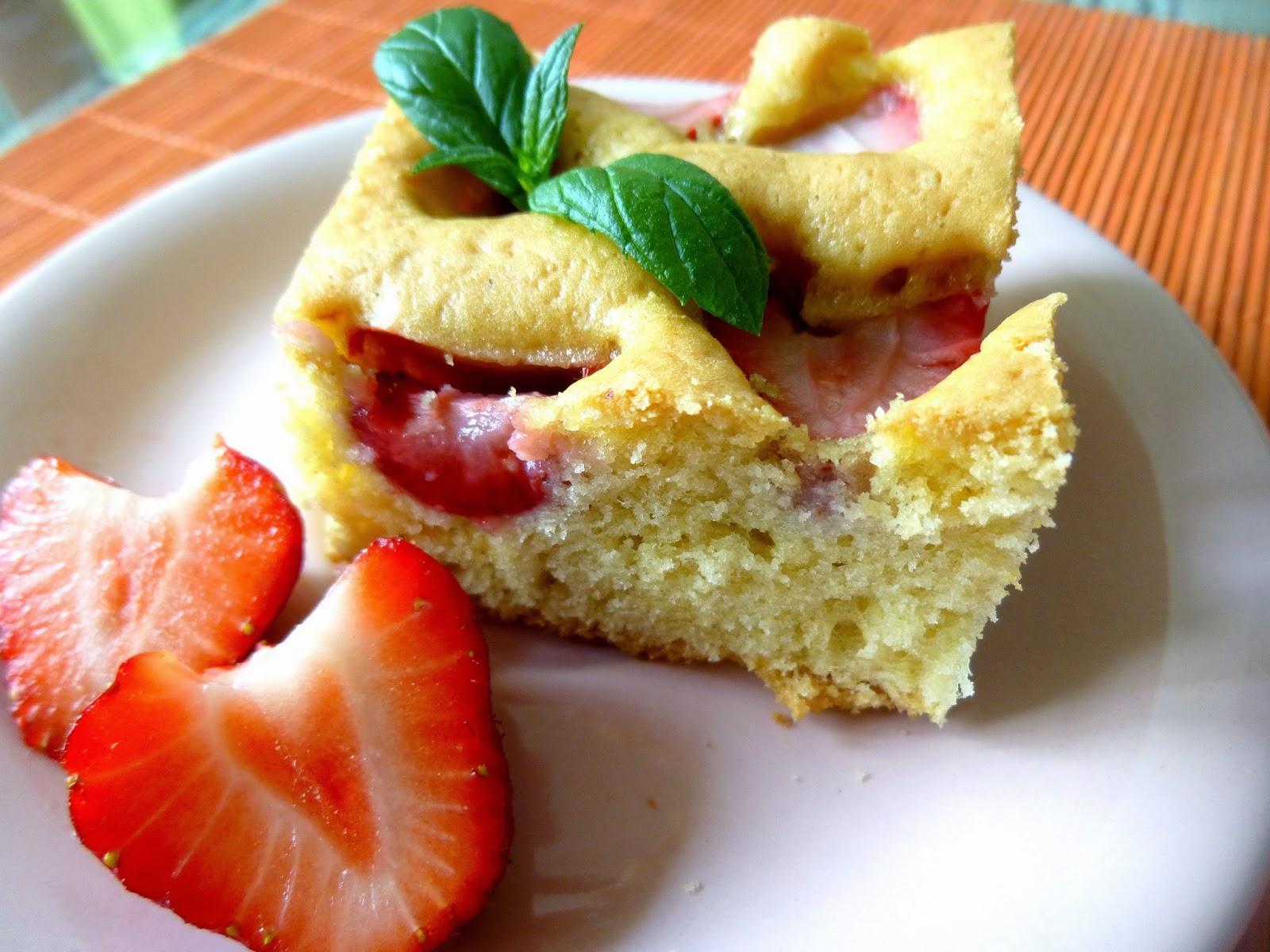 Ciasto truskawkowe – proste, szybkie i smaczne