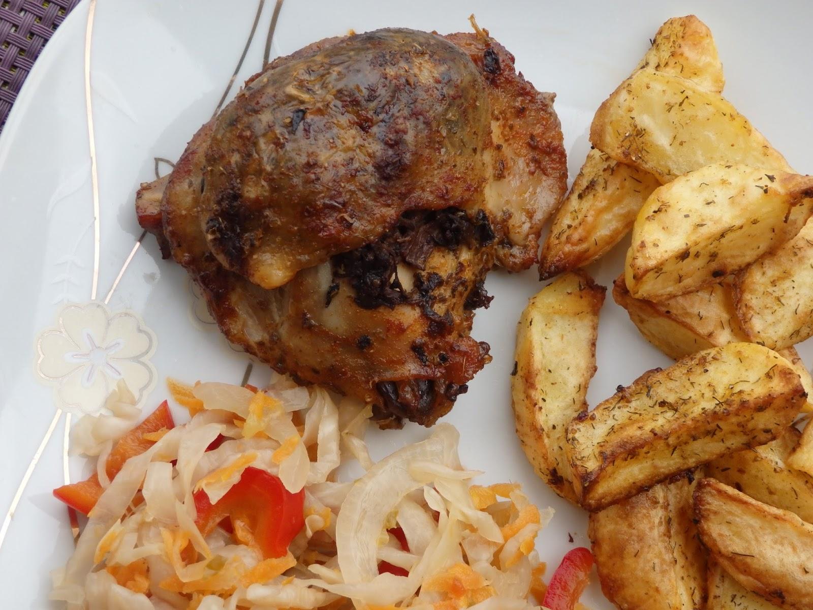 Kurczak pieczony z pieczarkową niespodzianką