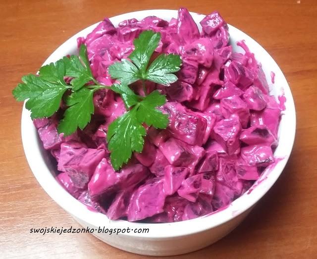 Sałatka z pieczonych buraczków-idealna do obiadu