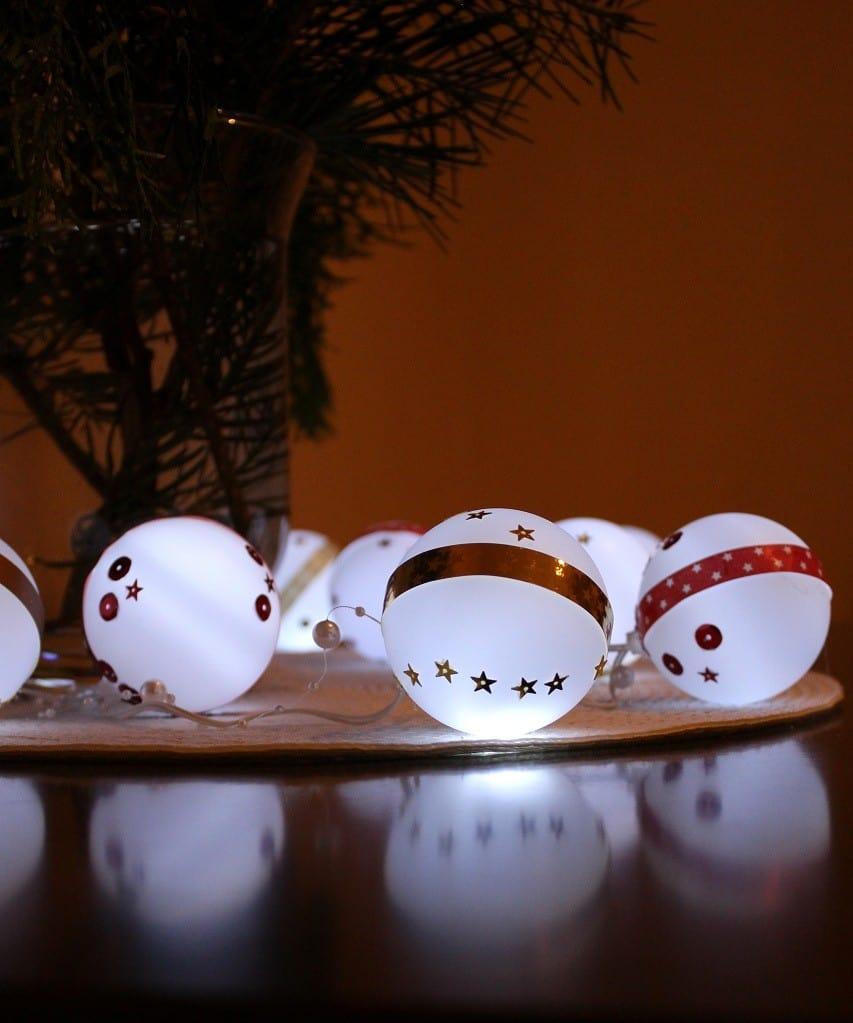 Dekoracja z bombek LED