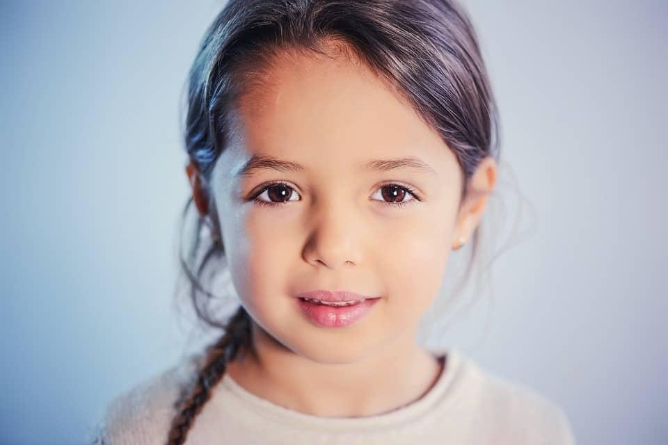 """7 rzeczy, które warto mówić dziecku poza """"Kocham Cię"""""""