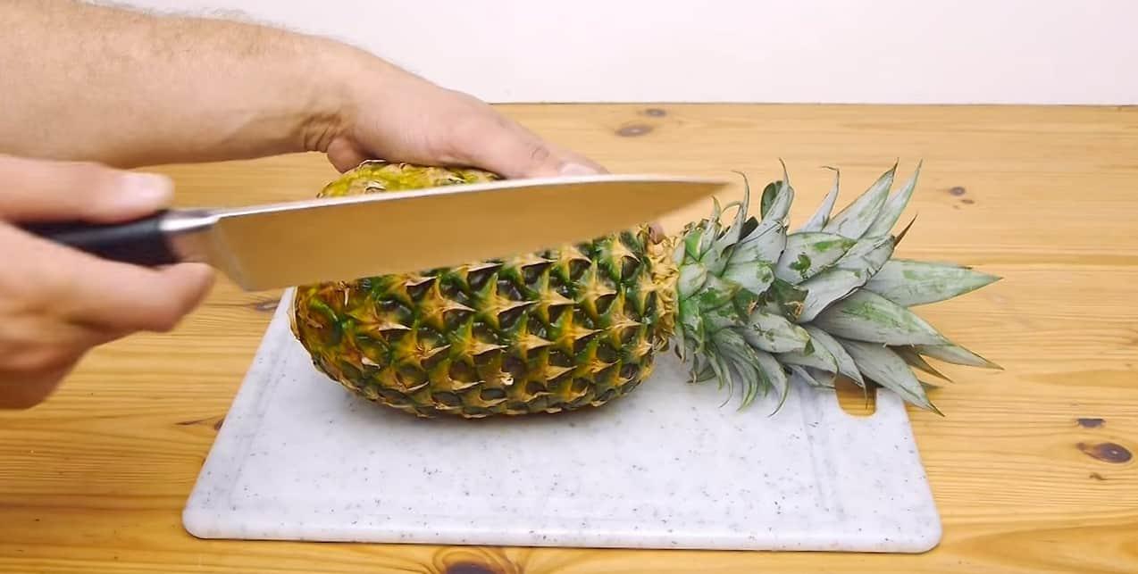 Gdy następnym razem kupisz ananasa, pokrój go w ten sprytny sposób!