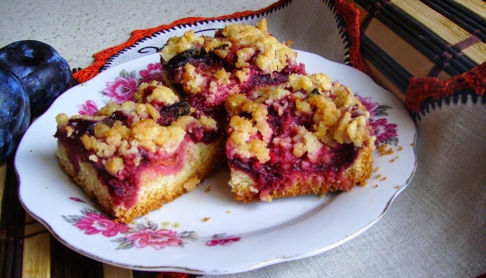 Ciasto kruche ze śliwkami i kruszonką. Pyszne słodko – kwaśne.