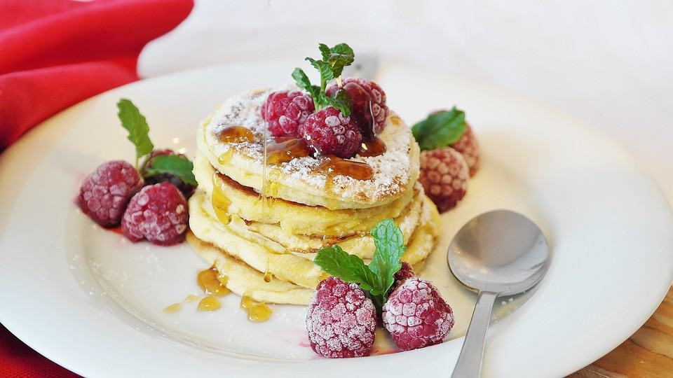 Przepis na zdrowy omlet, który idealnie sprawdzi się na śniadanie