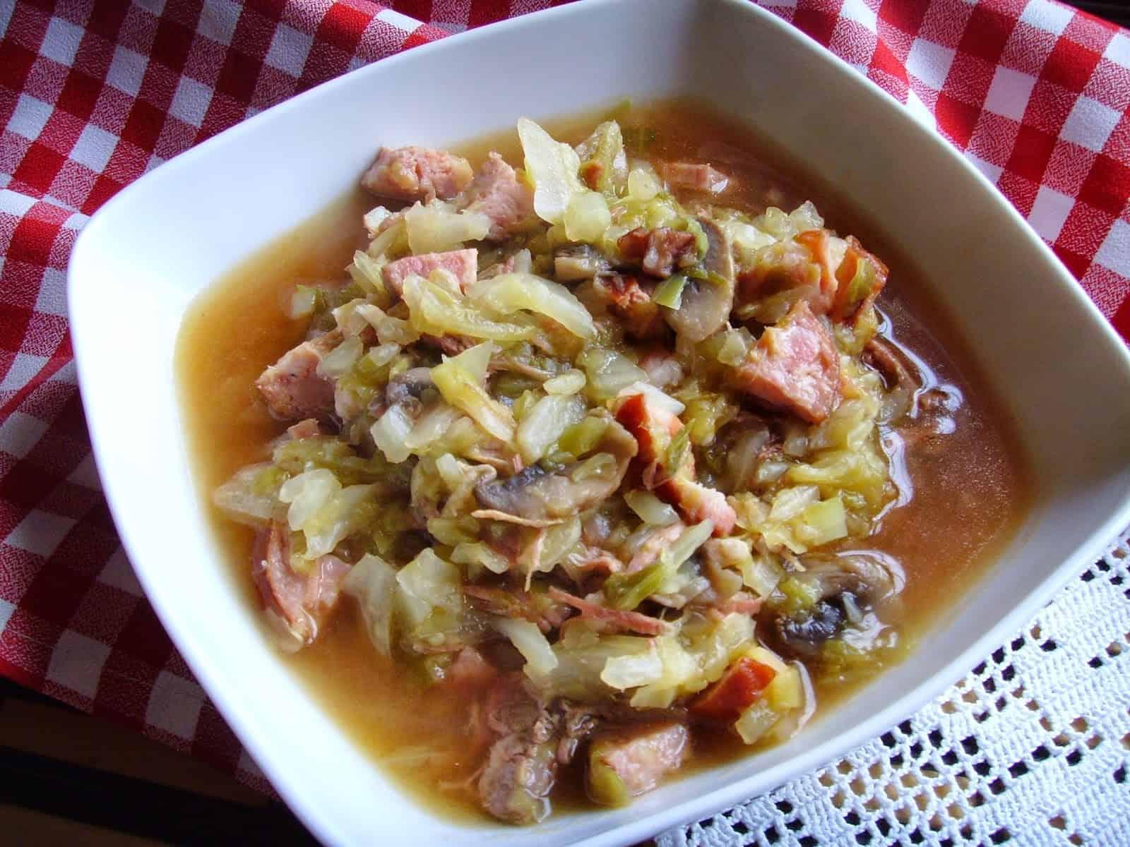 DomPelenPomyslow.pl Bigos z młodej kapusty. Smaczne, szybkie wiosenne danie.