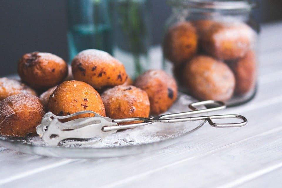 Szybkie i smaczne pączki serowe dla łasuchów