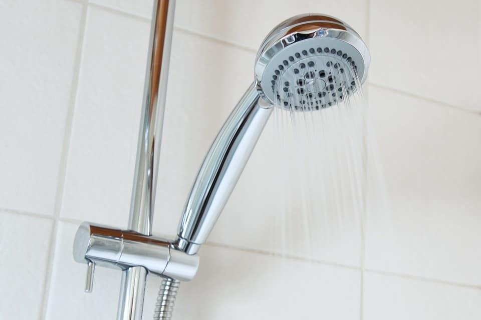 Jaką kolumnę prysznicową kupić? KOLUMNA NATRYSKOWA wady i zalety.