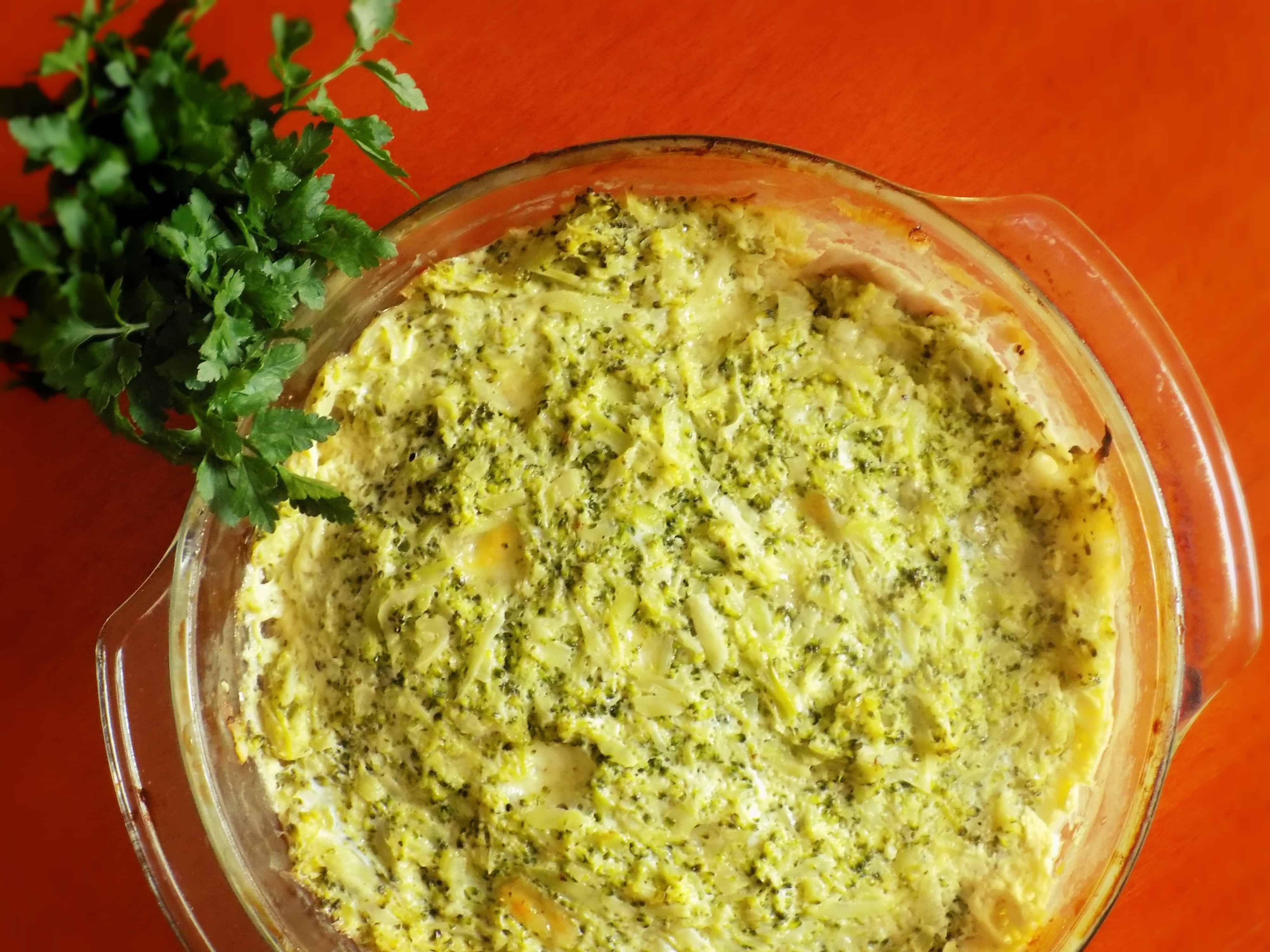 Schab zapiekany w sosie serowo-brokułowym