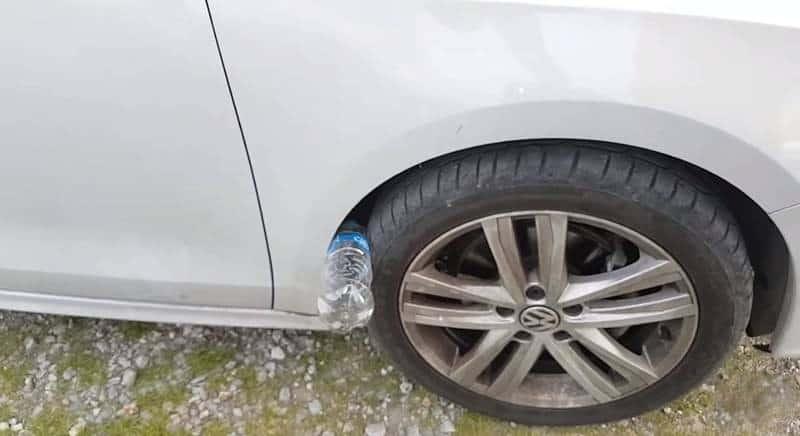 Nowy sposób na kradzież samochodów. Uważajcie podczas świątecznych zakupów!