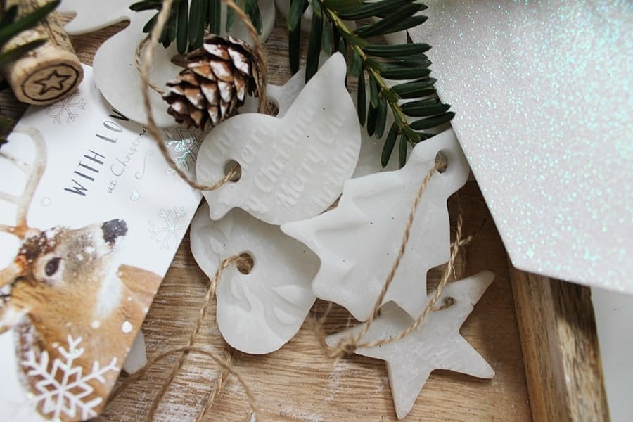Masa porcelanowa-sucha porcelana. Jak przygotować ozdoby choinkowe?
