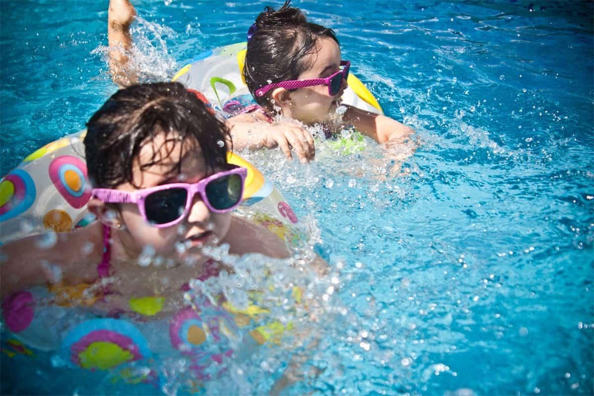 Jak stosować chemię basenową by zachować czystą wodę?