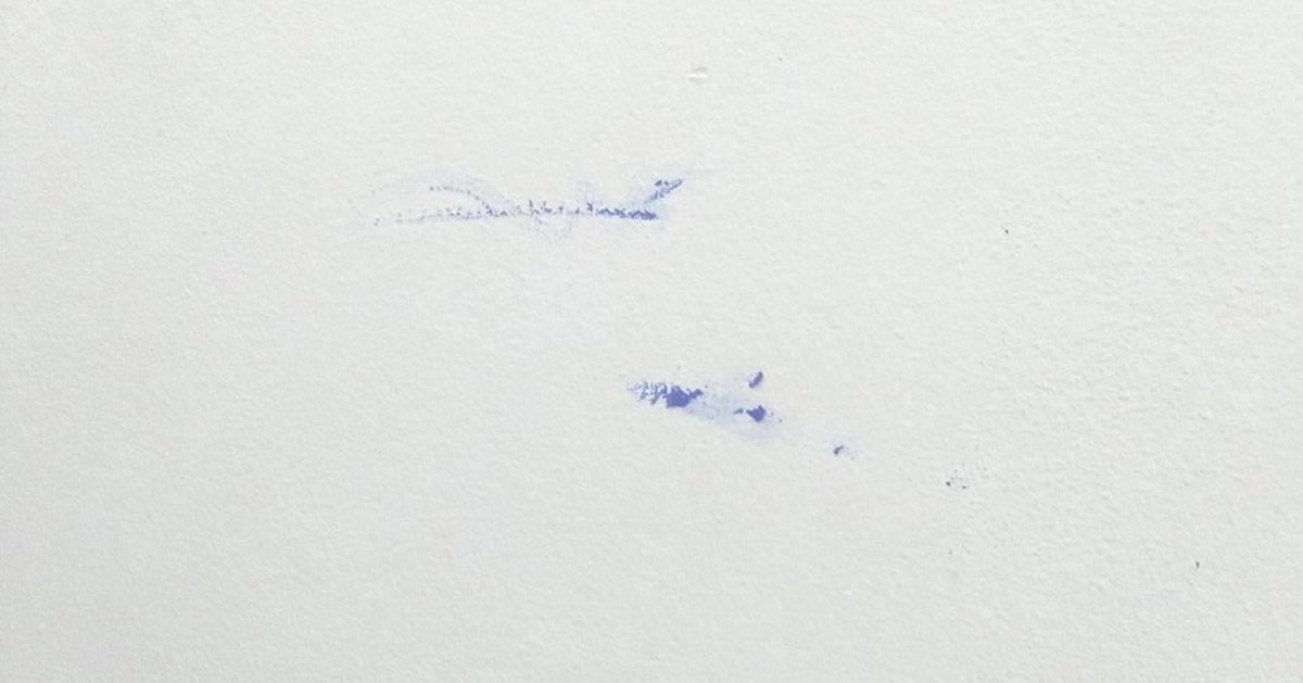 Jak usunąć plastelinę ze ściany