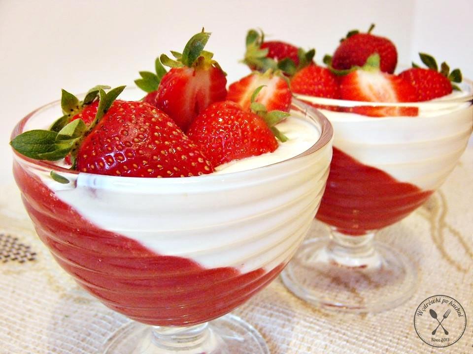 Deser truskawkowo – rabarbarowy