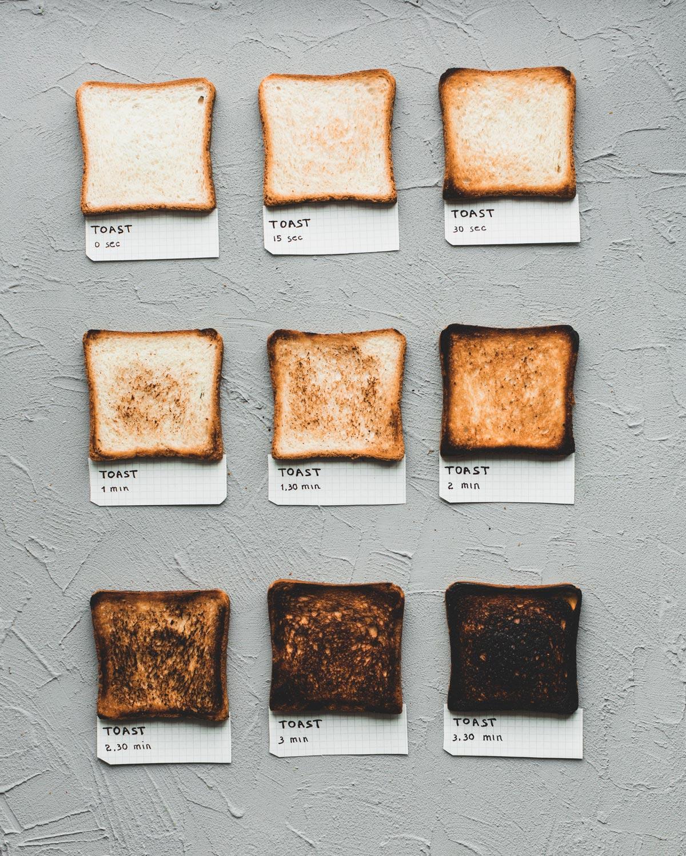 Jak długo piec tosty