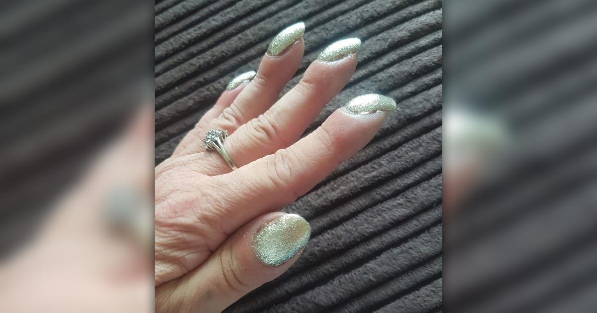 Ten kształt paznokci oznacza poważną chorobę!