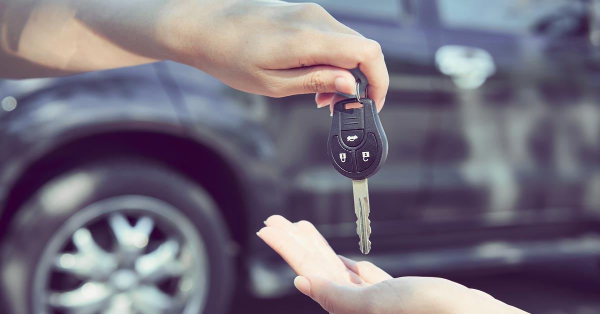 Jeśli kupujesz używane auto sprawdź tę jedną rzecz aby uniknąć oszustów!