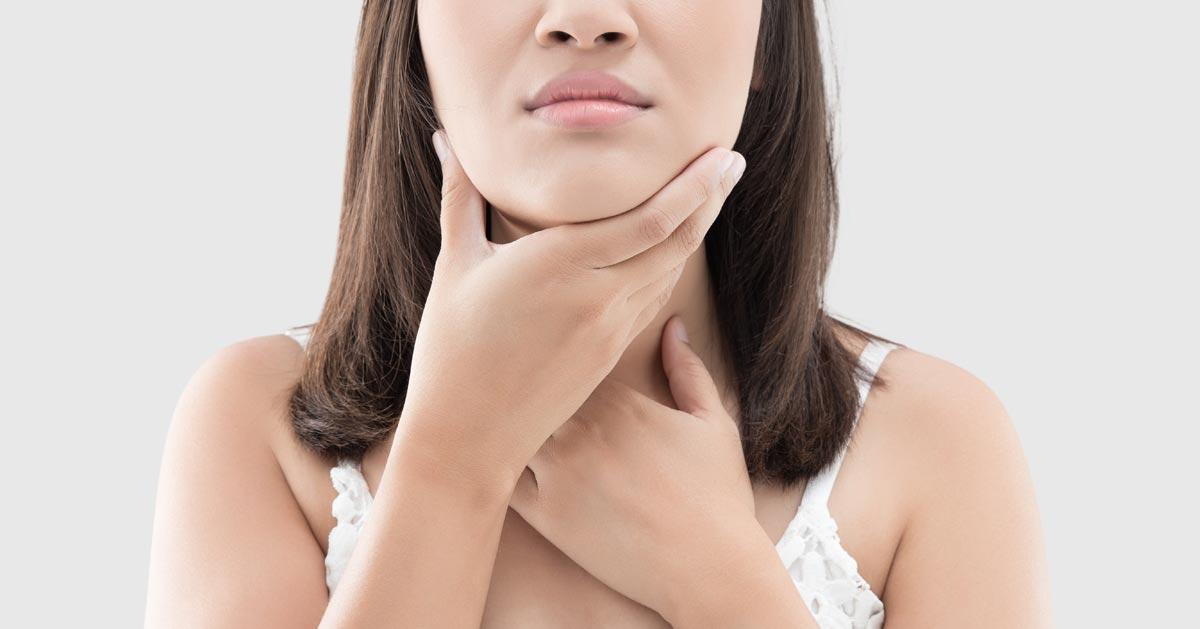 Domowa płukanka na bolące gardło – zobacz jak ją zrobić!