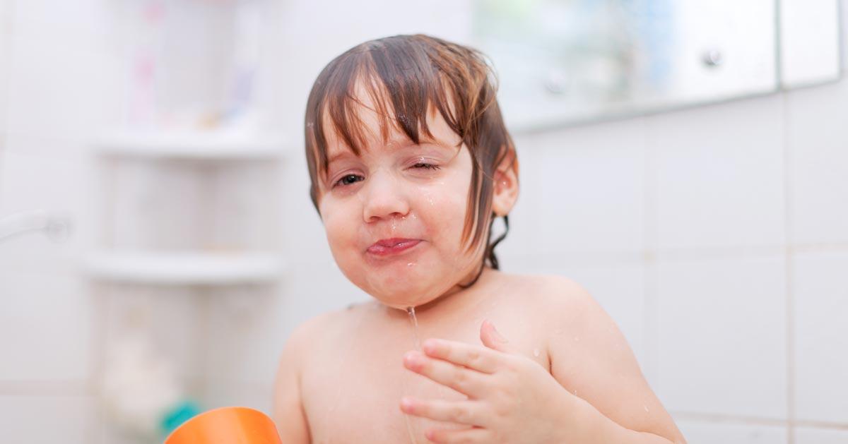 Czy myjesz dziecku codziennie głowę? Nie ma takiej konieczności!