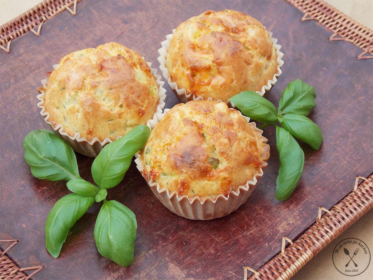 Wytrawne muffiny z łososiem i cukinią