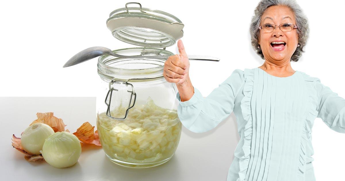 Babciny przepis na syrop z cebuli, który pomoże Ci zwalczyć przeziębienie
