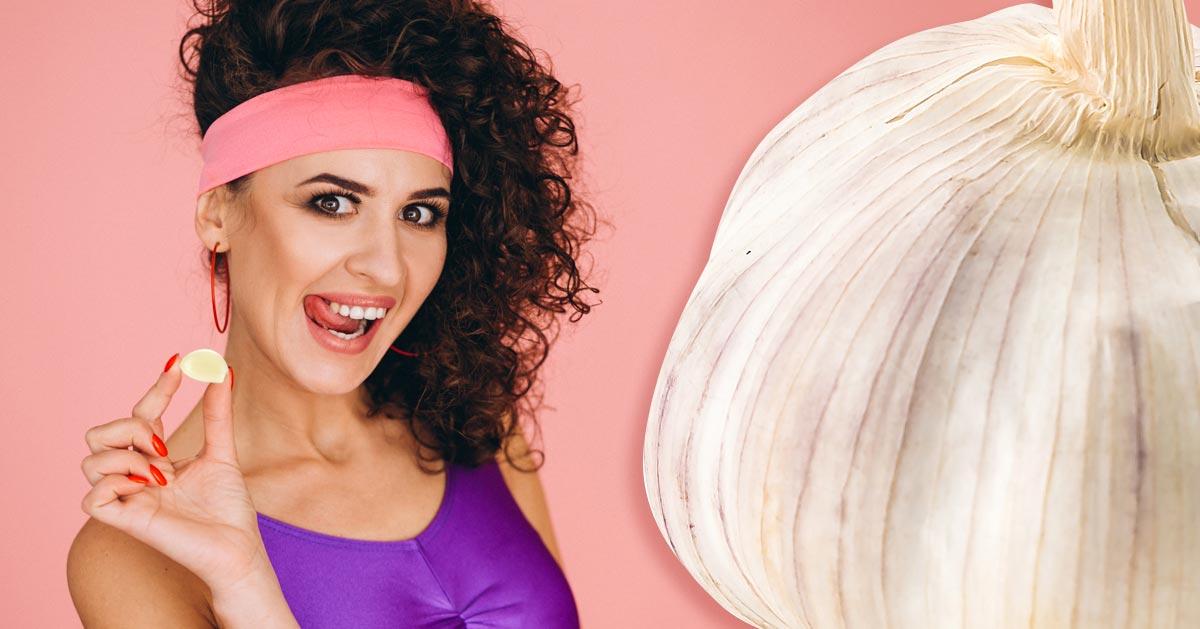 Zobacz co się stanie gdy włożysz ząbek czosnku do ust na pół godziny!