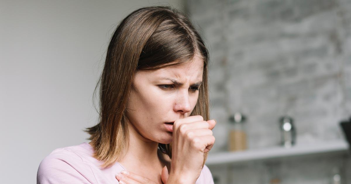 Suchy kaszel nie musi być objawem przeziębienia. Zobacz co może oznaczać!