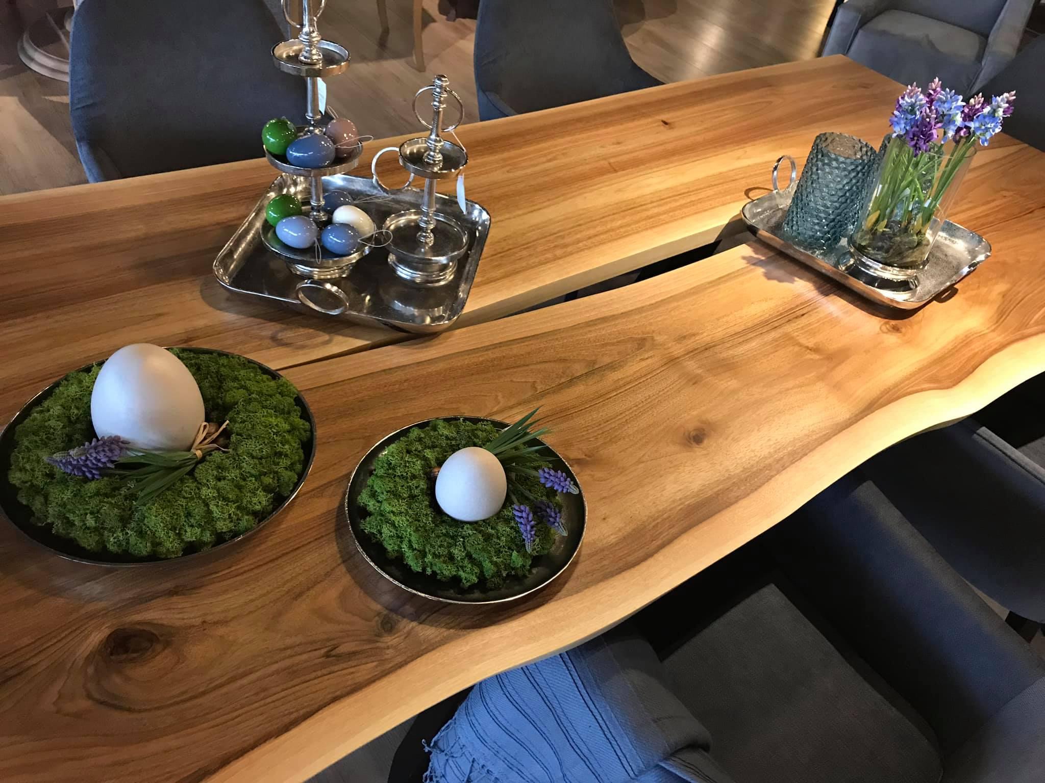 Dekorowanie wielkanocnego stołu – pomysły projektantki