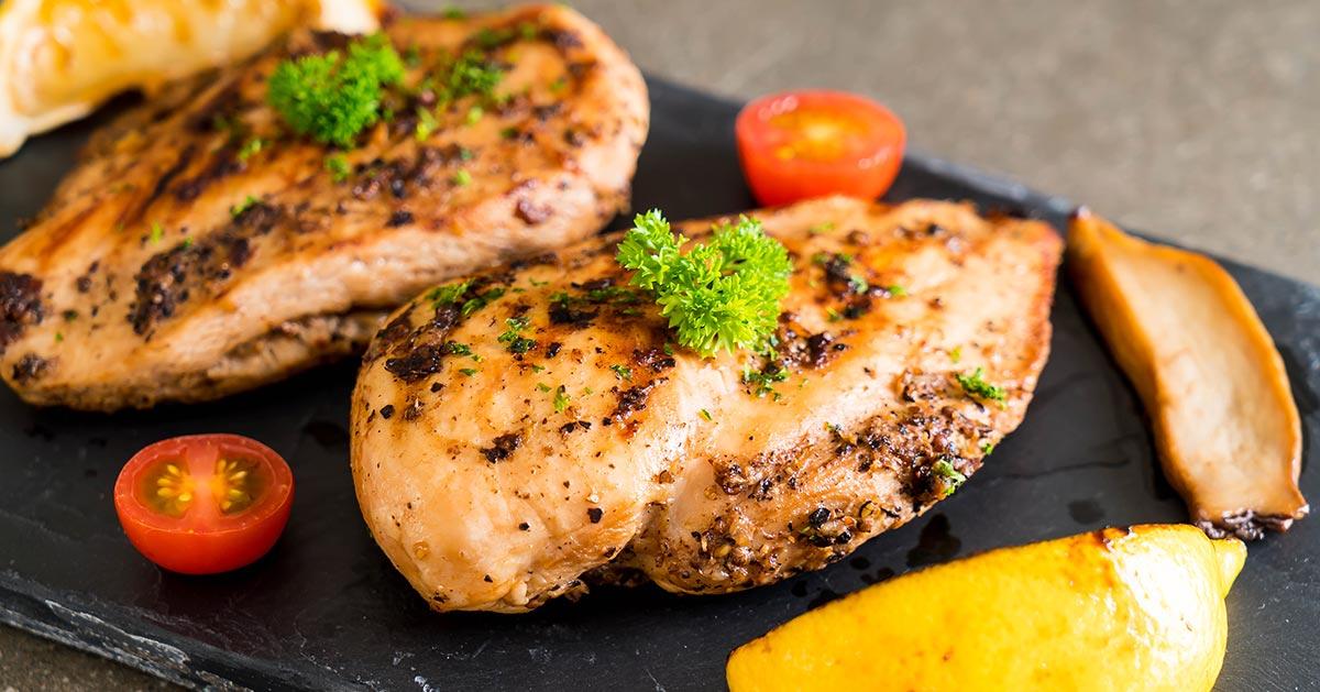 Grillowana pierś kurczaka – idealna na diecie