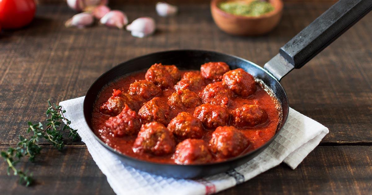 Przepis na mielone pulpeciki w sosie pomidorowym