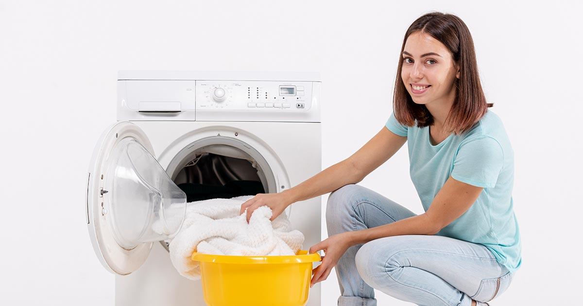 Dodanie sody oczyszczonej do prania – zobacz co daje!