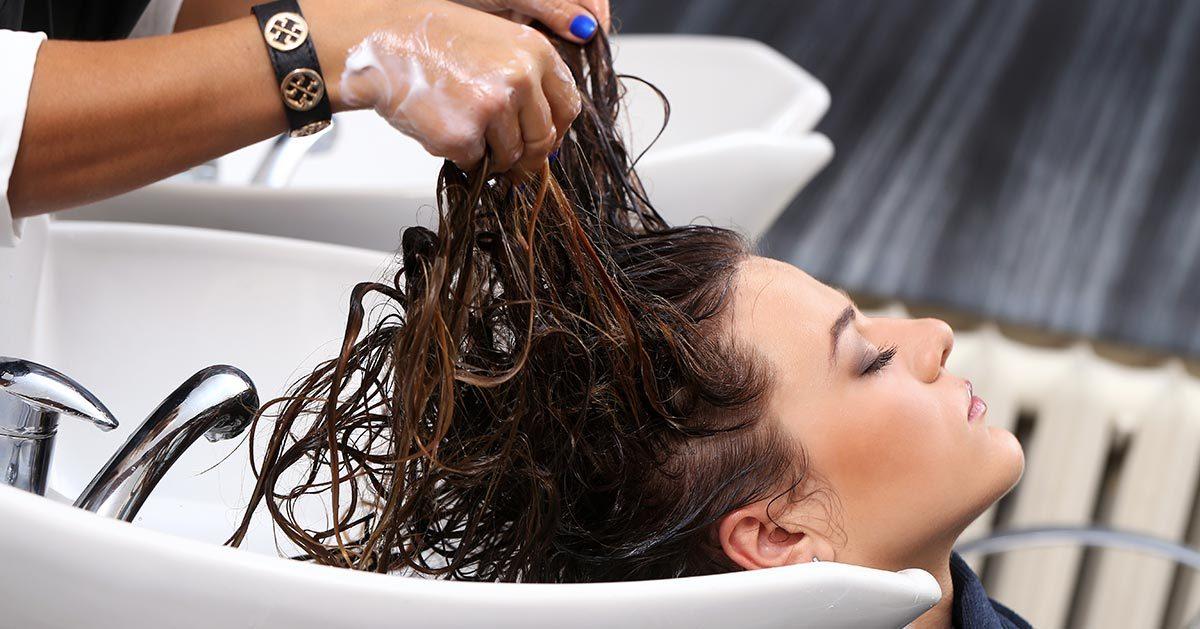 Kiedy otworzą fryzjerów i restauracje?