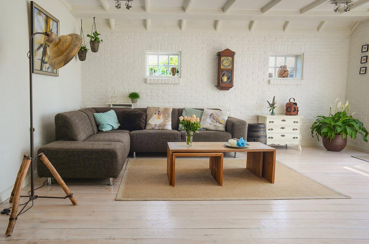 Umeblowanie salonu – jak nadać temu pomieszczeniu wyjątkowy charakter.