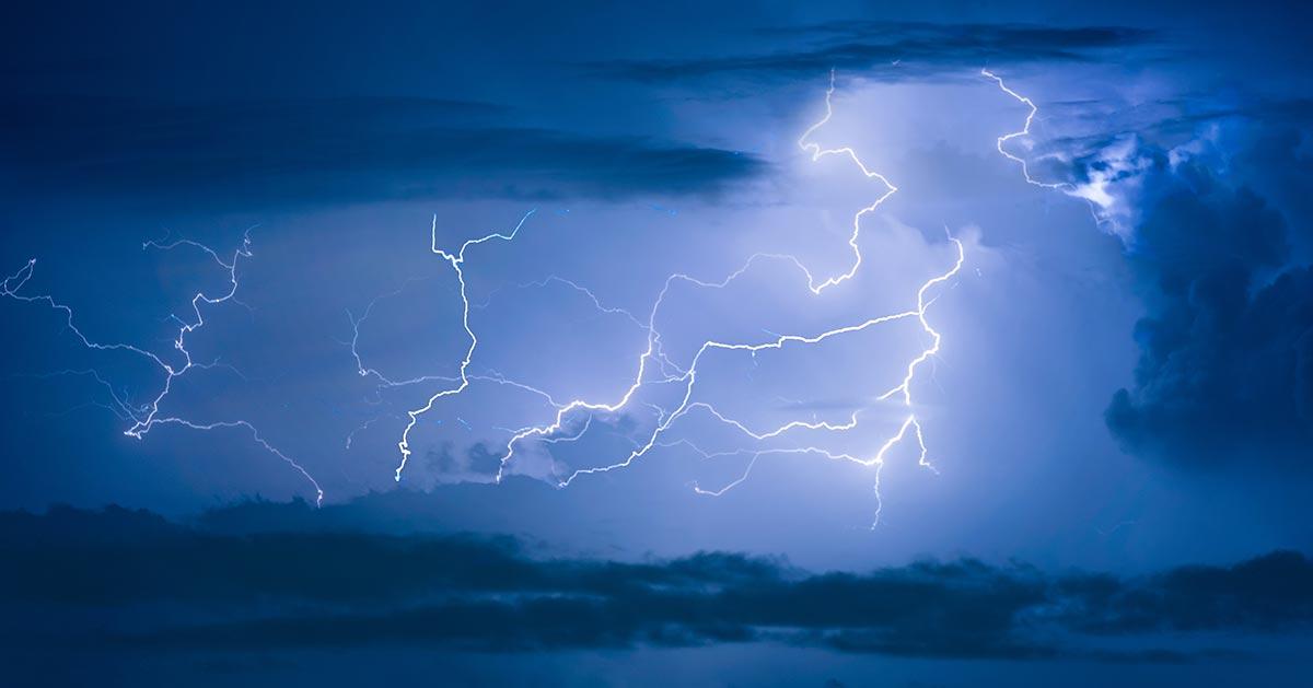 RADAR BURZ – jak sprawdzić gdzie jest burza?