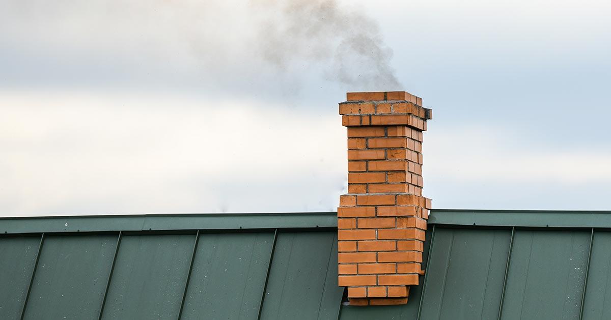 Urzędnicy sprawdzą czym palisz w piecu i nikt się nie wymiga!