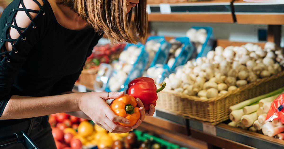 Czy jesteście za zakazem dotykania owoców i warzyw w sklepie?