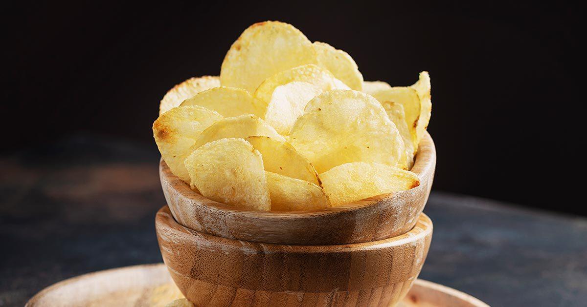 Jak zrobić chrupiące domowe chipsy?