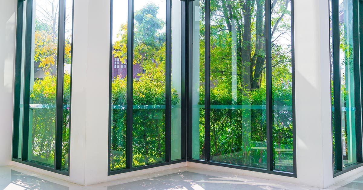 Folia na okna do chłodzenia mieszkania (folia przeciwsłoneczna)