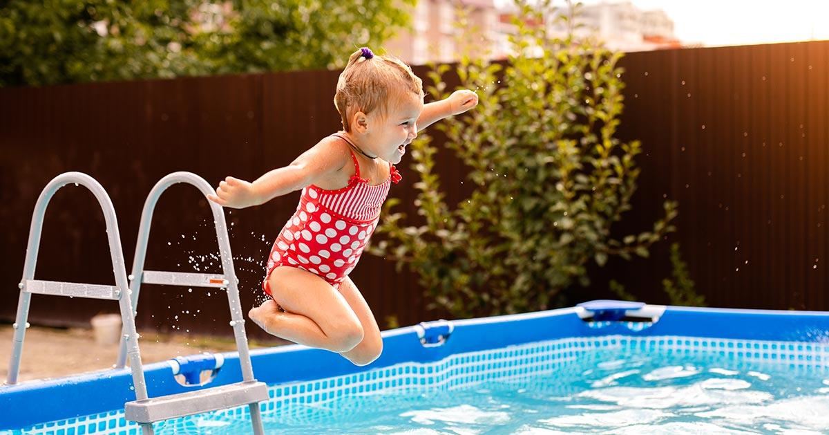 Nie chcesz by dziecku stała się krzywda w wodzie? Pamiętaj o tym!