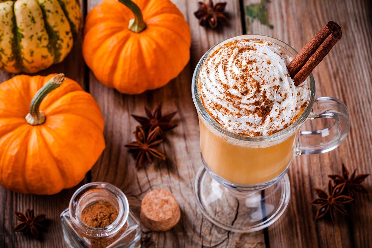 Dyniowe Latte ze Starbucks. Przepis na Pumpkin Spice Latte!