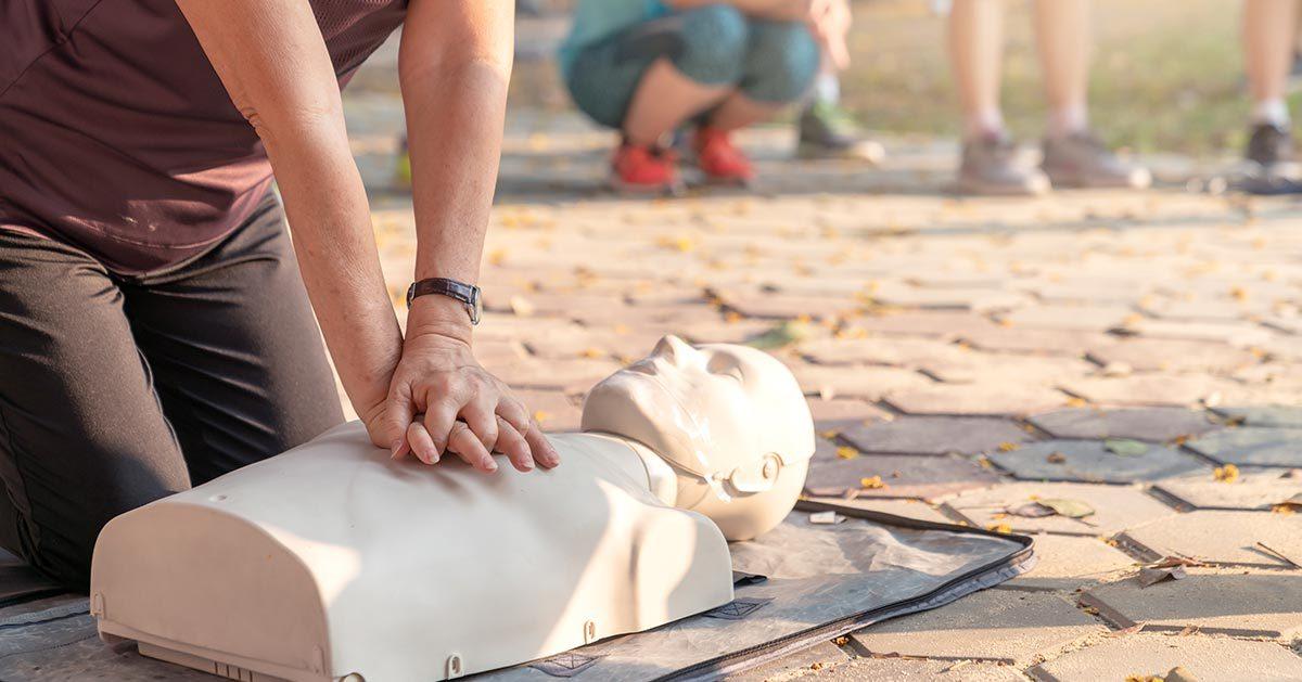 Dzisiaj Światowy Dzień Pierwszej Pomocy – co nam grozi za nieudzielenie jej?
