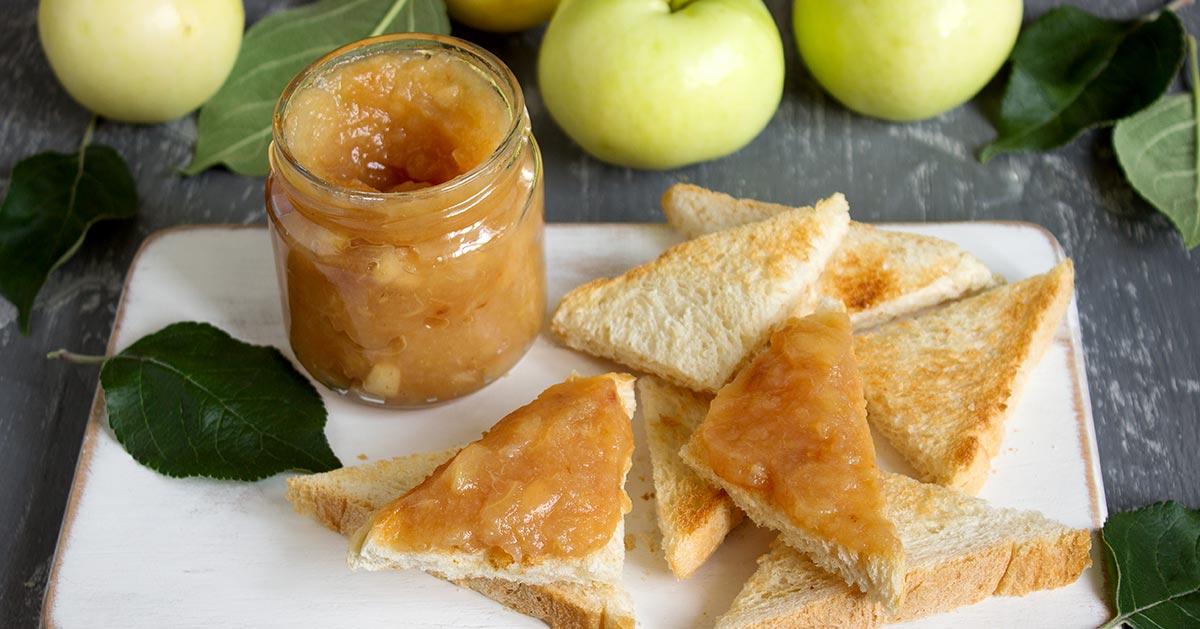 Jak zrobić jabłka prażone – idealny jesienny dodatek do naleśników i kanapek