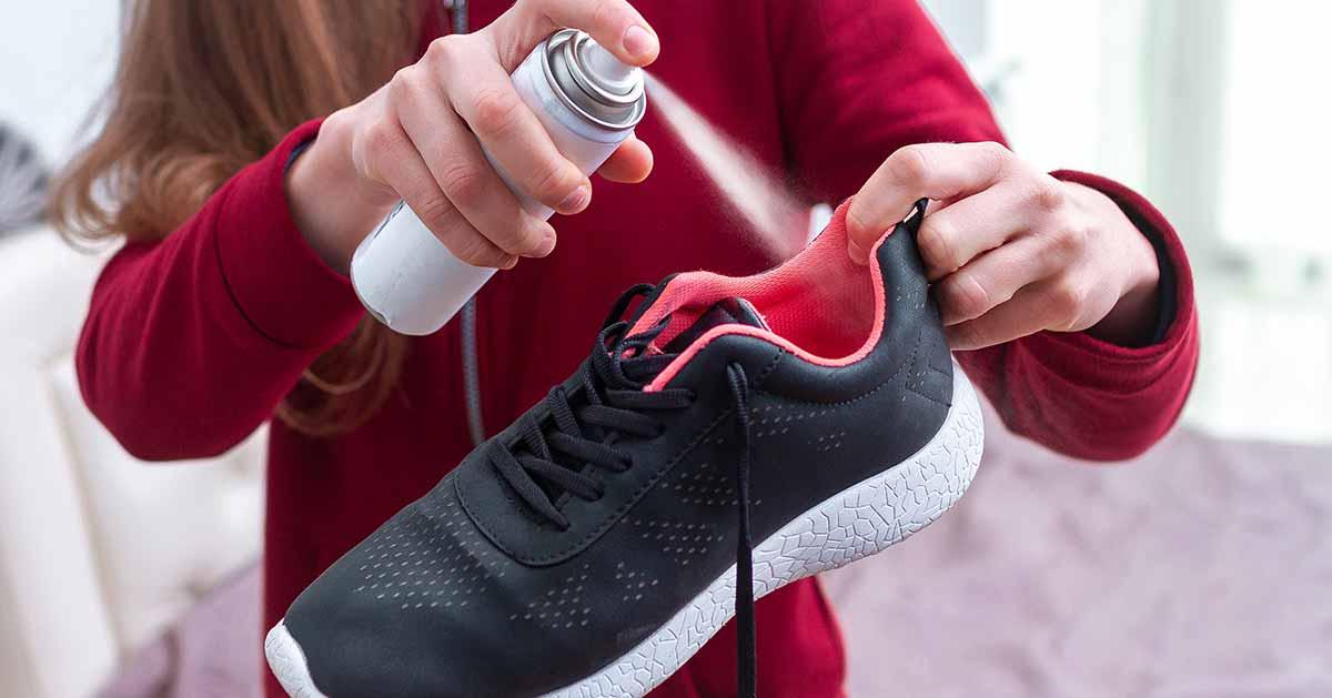 Co zrobić ze śmierdzącymi butami