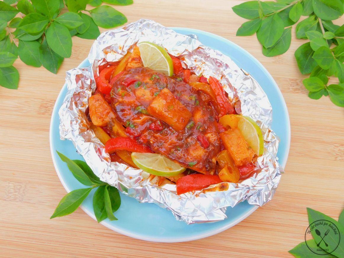 Kurczak w sosie barbecue pieczony w folii