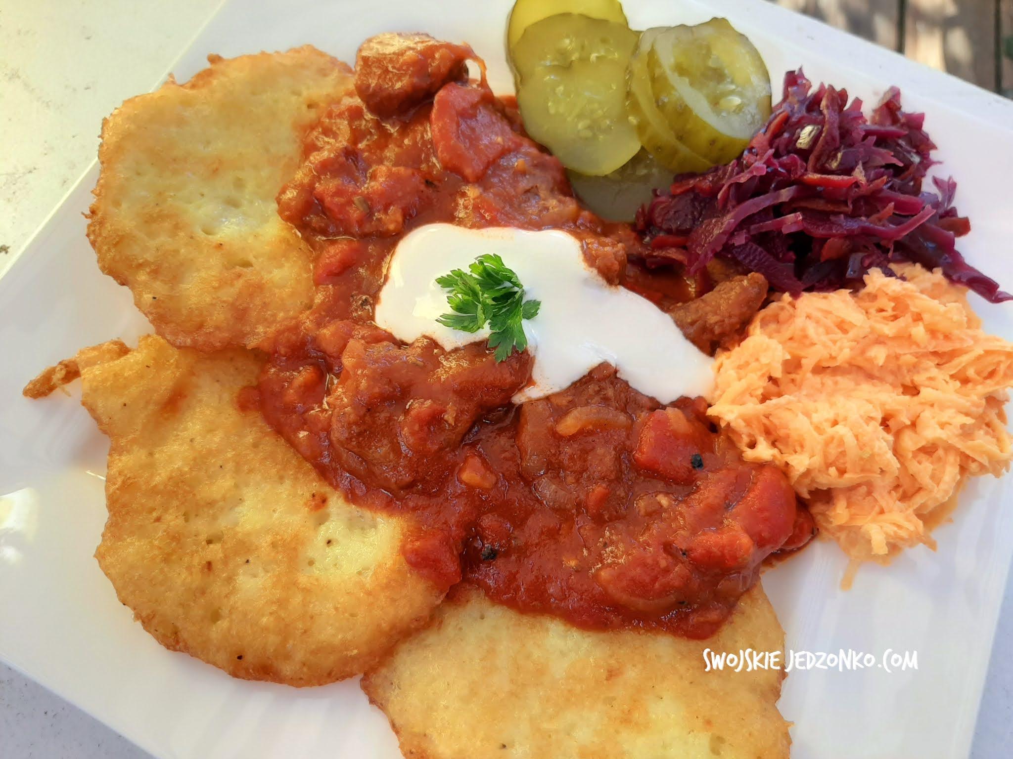 Placki po węgiersku – pomysł na pyszny obiad dla całej rodziny