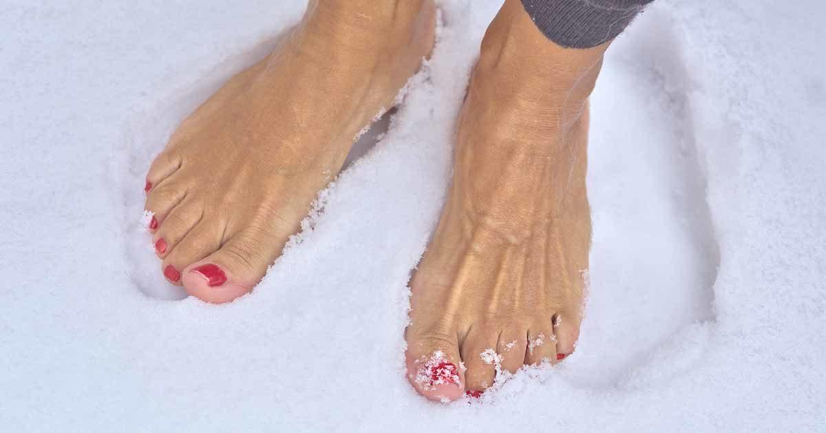 Masz zimne stopy lub dłonie? To może być krążenie. Zobacz jak je poprawić.