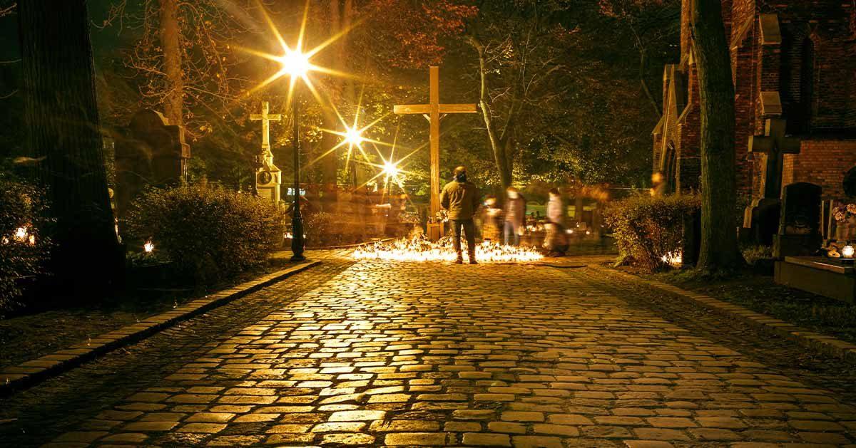 Za co będzie można dostać mandat na cmentarzu na Wszystkich Świętych?