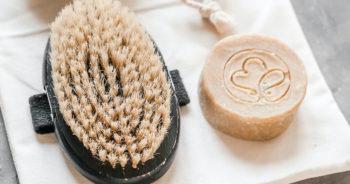 Zastosowania szarego mydła – dlaczego warto mieć je w domu?