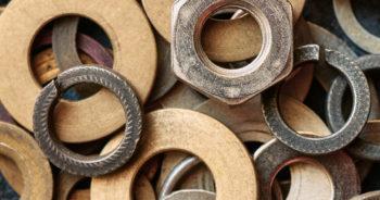 Jakie wyroby metalowe warto mieć podczas remontu?